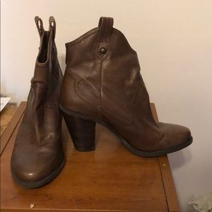 Heeled Cowgirl boots
